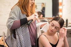 beauty_backstage View the top summer beauty trends trough the eyes of Summer Beauty, Summer Makeup, Beauty Editorial, Ss16, Summer Tops, Beauty Trends, Backstage, Behind The Scenes, Bts