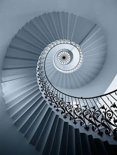 Spiral stair top views Treppen Stairs Escaleras repinned by www.smg-treppen.de