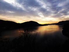Il lago dell'alba.  Lago d'Orta. Piemonte.