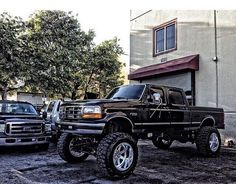 old lifted trucks Big Ford Trucks, Lifted Trucks, Cool Trucks, Chevy Trucks, Pickup Trucks, Ford Diesel, Diesel Trucks, Obs Truck, Ford Obs