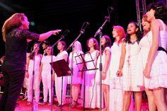 A Feira do Produtor recebe programação especial na Virada Cultural Paulista em Registro com apresentações musicais do Grupo de Taiko, Coral Municipal de Registro e Banda Municipal de Registro.
