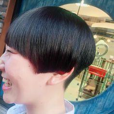 """52 Likes, 1 Comments - MITSUYO♡IWASAWA (@mitsuyo_iwasawa) on Instagram: """"オシャレ高校生 . cut大好きなのでやりがいバツグンな髪型✨ 切りっぱなしボブやラインのあるstyleって可愛い . #BECK #湘南 #美容師 #切りっぱなしボブ…"""""""