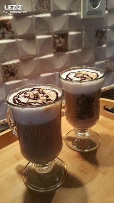 Latte Macchiato, Iced Coffee, Coffee Shop, Dessert Recipes, Desserts, Pudding, Canning, Drinks, Cake