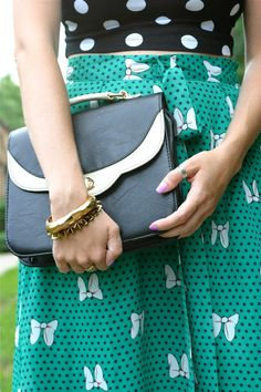 mixed prints + accessories #style #fashion For more tips + ideas, visit www.makeupbymisscee.com
