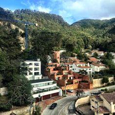 Domingo de Sol en el barrio El Refugio en la localidad de Chapinero en Bogota.