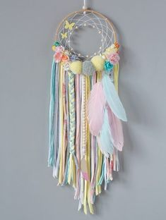 Baby diy mobile projects new Ideas Dream Catcher Decor, Dream Catcher Nursery, Dream Catcher Boho, Lace Dream Catchers, Dream Catcher Mobile, Pom Pom Crafts, Yarn Crafts, Home Crafts, Diy And Crafts