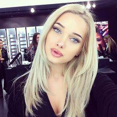 blonde and blue eye makeup look