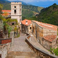 The quiet hilltop town of Savoca is only a 40-minute drive from the popular Sicilian resort town of Taormina. (CuboImages srl / Alamy)