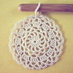 Pattern for 3 crochet doily ornaments