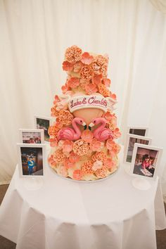 oh my goodness! love the use of pink flamingos on the cake!