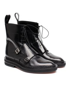 Crafted from glossy black leather that's been finely stitch and finished with a rugged commando soles, these INCH2 monk boots are a stylish footwear choice. Have a leather lining and heel counter, which keeps you cool and comfortable.