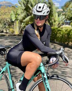 Bicycle Girl, Bike, Female Cyclist, Cycling Girls, Cyclists, Riding Helmets, Electric, Sporty, Lady