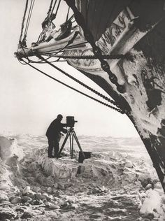 Shackleton's Imperial Trans-Antarctic Expedition - aka the Endurance Odyssey. photo by Frank Hurley. Hurley, Heroic Age, France Culture, Research Institute, Tall Ships, Historical Photos, Old Photos, Sailing Ships, Bbc News