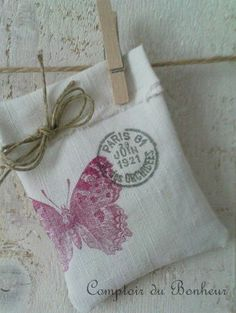 I could create my own stamp for my farm/business someday for this sachet. I like the date stamp idea, but I would get one that I could change to mark the date the sachet was made or to commemorate a special day for a customer. Lavender Bags, Lavender Sachets, Fabric Crafts, Sewing Crafts, Sewing Projects, Craft Gifts, Diy Gifts, Wrapping Ideas, Gift Wrapping