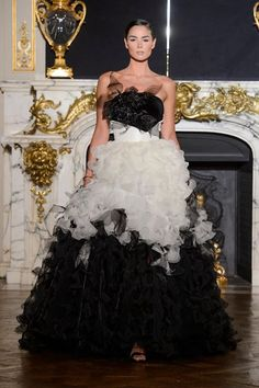 Paris Fashion Week was a show of Eva Minge Haute Couture fall winter 2015/16 collection,