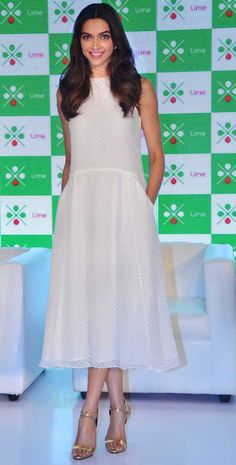 Buy Deepika's Amazing White Midi Dress at Axis Bank's Lime Launch Event from RockNSpace ~ Sha's Inkling Beautiful Bollywood Actress, Beautiful Indian Actress, Bollywood Celebrities, Bollywood Fashion, Dipika Padukone, Deepika Padukone Style, Freida Pinto, My Hairstyle, Hairstyles