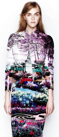A Journey Into Mary Katrantzou's Fashion Landscapes. Hyper-realistic patterns mapped to female curves. Digitial printing at its best.