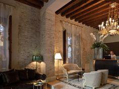 Hotel Casa 1800 Seville...foyer