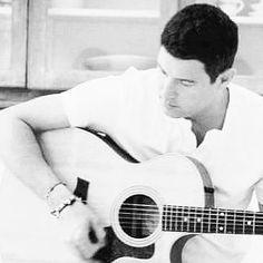 "Séb practicing hard Thanks for sharing @idgi_ildivo RepostBy @idgi_ildivo: ""#ildivo #ildivoofficial #Music  #baritone #Carlosmarin #YouTube  #France #ildivo #ildivoofficial #Music #Popopera #operapop #tenor #baritone #Carlosmarin #davidmiller #Sebastienizambard #ursbuhler #tourlife #amusicalaffair #YouTube #instamusic #instapic #idgi #operapop #sonymusic #divos #France #London #liveinjapan #concert #México #amorypasion #newalbum #ildivocruise"" (via #InstaRepost @AppsKottage)"