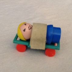 Vintage Fisher Price Little People Play family Hospital 931 Stretcher Gurney Toy #FisherPrice
