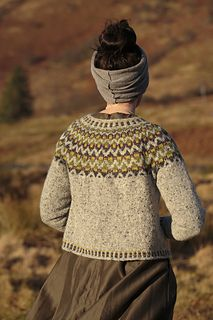 Ravelry: Còinneach pattern by Kate Davies Designs Fair Isle Knitting, Knitting Yarn, Hand Knitting, Motif Fair Isle, Fair Isle Pattern, Knitting Designs, Knitting Projects, Knitting Patterns, Pull Jacquard
