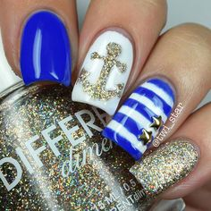 Still technically Summer so I did my first Summer nautical mani! ⛵️⚓️ Yaaaayyyy! Better late than never Look at that sparkly anchor I used @twinkled_t ⚓️anchor stencils and sponged on some gold glitter. This is another mani I did over my gel polish base from @bundlemonster Tutorial tomorrow! Get these @twinkled_t @twinkled_t for 10% off using my code TWISTAR Get the look: ⚓️White – Button Down @bundlemonster ⚓️Blue - Santorini @cirquecolors ⚓️Gold glitter - Sexy and I Sn...