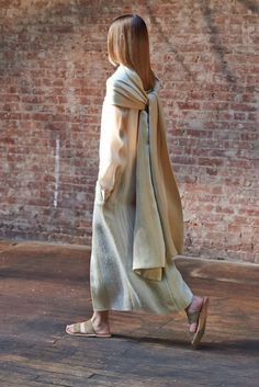 The Row Spring 2015 Ready-to-Wear Fashion Show - Cassi Van Den Dungen