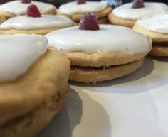 Rita's Scottish Tablet - Recipe from myTaste Empire Biscuit Recipe, Scottish Tablet Recipes, Empire Cookie, Scottish Dishes, Shortbread Recipes, Biscuits, Cake Decorating, Cooking Recipes, Yummy Recipes
