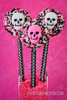 Sparkle & Bling Pink-O-Ween Halloween Glam Oreo Pops.  Such adorable cookie pops!