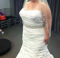 Ian Stuart 'Muse' size 16 sample wedding dress - Nearly Newlywed