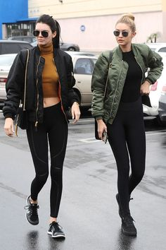 Photo via: Harper's Bazaar Kendall Jenner and Gigi Hadid show us the model rendition of the athleisure trend. Their bomber jackets, black leggings and sneakers are a foolproof formula for style. Look Fashion, Fashion Models, Autumn Fashion, Fashion Outfits, Models Style, Urban Fashion, Fashion Trends, Tokyo Fashion, Celebrities Fashion