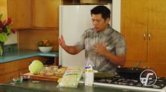 Pancit is a Filipino inspired noodle dish that is full of flavor and easy to enjoy! Our Top Chef Keoni Chang shows us how to prepare this wonderful Filipino . Filipino Noodles, Filipino Pancit, Filipino Dishes, Filipino Recipes, Asian Recipes, Ethnic Recipes, Filipino Food, Pinoy Recipe, Asian Foods