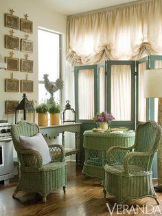 Interior Designer Inspiration & Ideas - Best Interior Design Tips Cottage Chic, Cottage Style, French Cottage, Chic Chalet, Wicker Furniture, Wicker Chairs, Wicker Baskets, Cane Furniture, Wicker Shelf