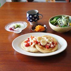 フルーツたっぷりパンケーキの朝ごはん Tacos, Mexican, Ethnic Recipes, Food, Meals, Mexicans