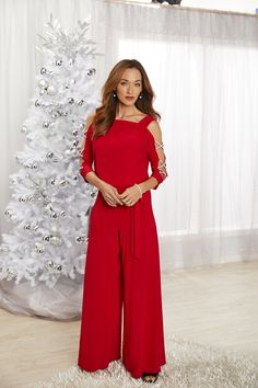 Stay trendy this holiday season with fashion apparel from Bealls Florida! Give the gift of trend or find the perfect gifting outfit for yourself. Either way, leave the sweaters behind, and head to Bealls for your favorite Florida styles! Holiday Clothes, Holiday Outfits, Fabulous Dresses, Beautiful Outfits, Party Outfits, Cute Outfits, Trendy Summer Outfits, Napkin Folding, Glitz And Glam