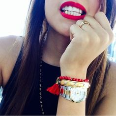 Gold teeth . Say cheeezzeee.                                                                                                                                                      More