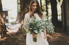 2015 Wedding Trends | wild flowers | foraged looking bouquet