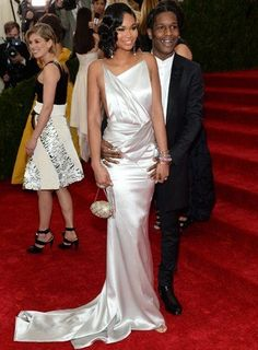 See All The Best Red Carpet Looks From The 2014 Met Gala!