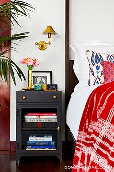 Before & After: Jessica Alba\'s Brilliant Bedroom Makeover- I want the nightstands please!