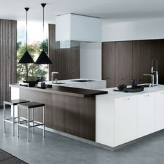 Modern classics Kyton Kitchen Cabinetry from Varenna by Poliform. Available here: https://www.switchmodern.com/Kitchen-Cabinetry/Varenna-by-Poliform-Kyton-Kitchen-Cabinetry.asp