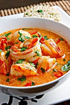 Singapore Chili Prawns 1 tablespoon peanut oil 1 pound shrimp (shelled and deveined) 1 tablespoon garlic (chopped) 1 tablespoon ginger (grated) cup shallots (chopped) 2 chilies (seeded and chopped) cup water 4 tablespoons tomato sauce 3 tablespoons Shrimp Dishes, Shrimp Recipes, Soup Recipes, Cooking Recipes, Dinner Recipes, Cooked Prawn Recipes, Thai Prawn Recipes, King Prawn Recipes, Cooking Tips