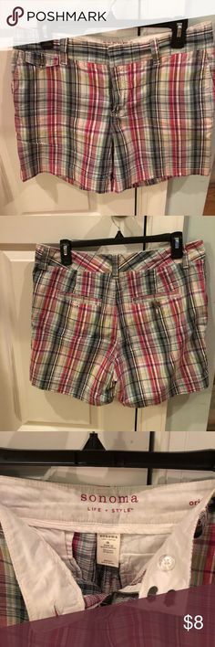 "Plaid shorts 4"" inseam, Sonoma brand. Trouser style with front and back pockets. Slight stretch in waistband. Sonoma Shorts"