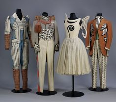 In 1929, the Italian painter Giorgio de Chirico adapted this architectural element for costume and decor designs for the Ballets Russes' production Le Bal, covering the legs of female dancers with brick-printed hosiery.