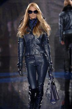 Carmen Kass Versace FW 2006 another runway look