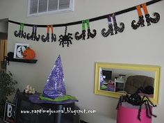 Naptime Journal made this spooky witch shoe and spider bunting! It is so fun! See more pictures and the witch shoe and spider bunting tuto. Halloween Banner, Cute Halloween, Holidays Halloween, Halloween Decorations, Haunted Halloween, Hello Kitty Themes, Cute Banners, Halloween Tutorial, 6th Birthday Parties
