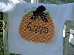 pumpkin shirt on etsy Diy Halloween Shirts, Cute Halloween, Halloween Crafts, Halloween Ideas, Crafty Projects, Sewing Projects, Sewing Ideas, Adult Crafts, Crafts To Do