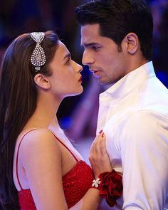 #Bollywood couple #SidharthMalhotra and #AliaBhatt to play siblings in in Shakun Batra's #UpcomingFilm #KapoorSons.  To get latest news updates of bollywood click here : www.biscoot.com  #BollywoodNews #UpcomingBollywoodMovie #Biscoot #EntertainmentNews #BollywoodCelebrity #CelebrityNews