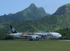 """Air New Zealand Boeing 777-319/ER ZK-OKP in """"The Hobbit"""" livery at Rarotonga-International, the main gateway to the Cook Islands. (Photo: Air New Zealand)"""