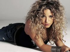 7 Best Shakira Hd Wallpapers Images Shakira Long Hair
