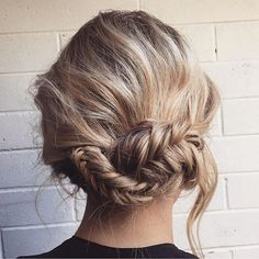 >> So sweet 💕✨. .  A cute little up-do for the weekend via @lushhaironunley // @smallgirlbigblog.  Don\'t forget that there\'s still time to order your last minute Christmas gifts and have them under the tree by the 25th! Aussie customers, enjoy complimentary express shipping on all orders of $100+. #weekendhaircrush #maneenvy #hairgamestrong #weekendhairgoals #braidlove #hairinspo #haircrush